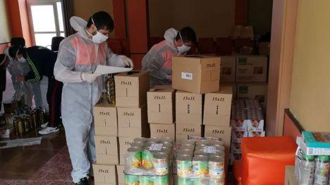 Cáritas y Protección C. colaboran en el reparto de comida en Librilla