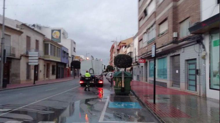 Imagen de las labores de limpieza del municipio durante el estado de alarma.