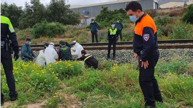 El vecino ha sido localizado junto a la vía del tren