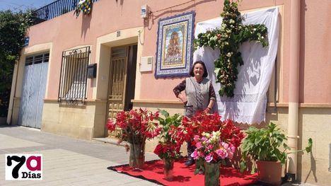 FOTOS Las Cruces de Mayo, 'con lo que haya por casa'