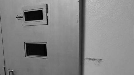 Detenido un agresor que dormía con un hacha bajo la alhomada