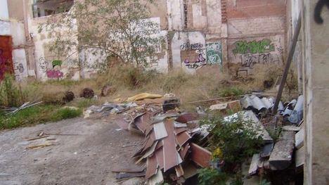 VÍD. El Ayuntamiento recuerda la limpieza de solares privados