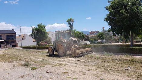VÍDEO/FOTOS Arranca la limpieza de solares municipales