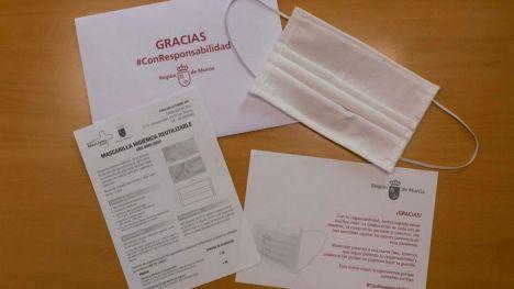 La Región inicia el reparto de mascarillas 'made in Yecla'