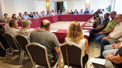 Alcaldes del PSOE critican a López Miras que les remita a Madrid