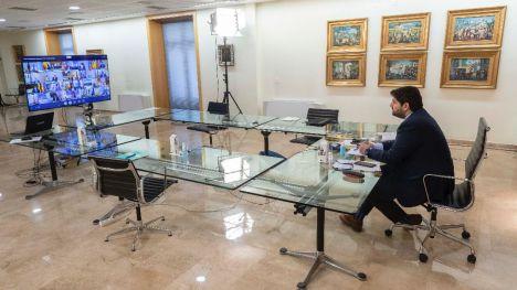 López Miras anuncia un plan de conciliación familiar y laboral