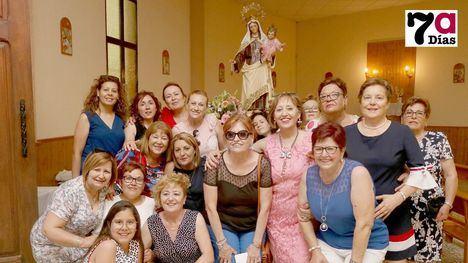 VIDEO Las mujeres de El Cañarico marcan el ritmo en la procesión