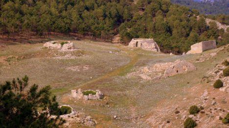Licitan la restauración de dos pozos de la nieve de Sierra Espuña