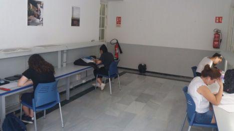 La sala de estudio de la Biblioteca amplía el número de plazas