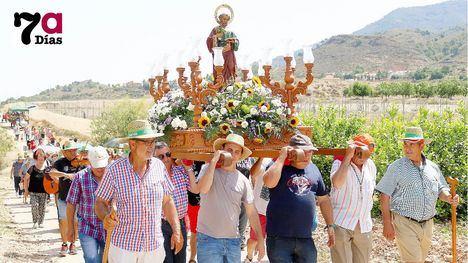 FOTOS Gran ambiente festivo en La Costera en la Romería de S. Pedro