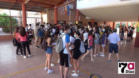VÍDEO Más de 200 alumnos se examinan de la EBAU en Alhama