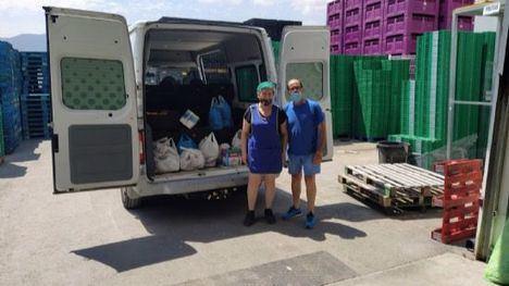 Toñifruit dona alimentos a las familias vulnerables de Librilla