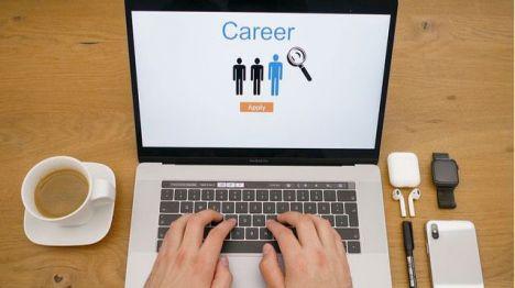 Cuatro ofertas de trabajo en Alhama y cursos de formación