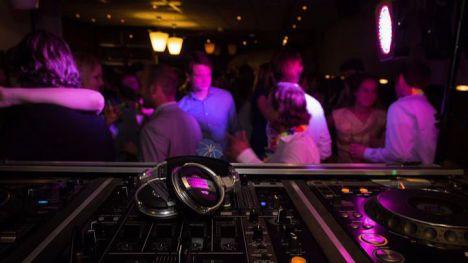 Estas son las nuevas condiciones para discos, pubs y bares de copas