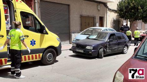 Colisionan dos vehículos en el Barrio de los Dolores