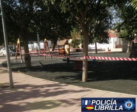 Una de las medidas adoptadas ha sido el cierre de las zonas infantiles de Librilla.