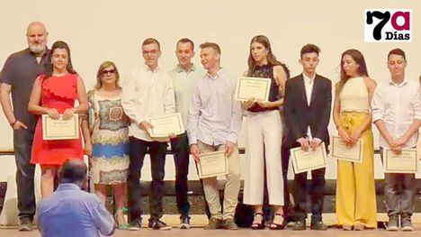 VIDEO El Valle de Leiva celebra un emocionante acto de graduación