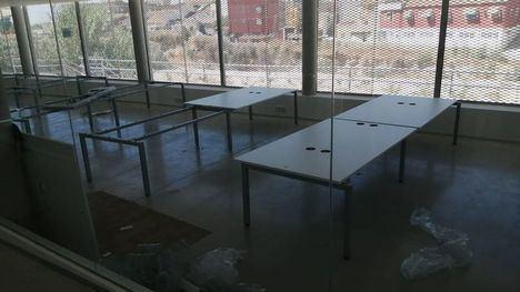 FOT Arranca el montaje del mobiliario del Aula de Estudio de Librilla