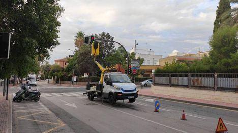 FOTOS Los semáforos de Alhama se ponen a punto