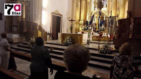 FOTOS Emotiva misa a la Virgen de los Dolores en San Lázaro