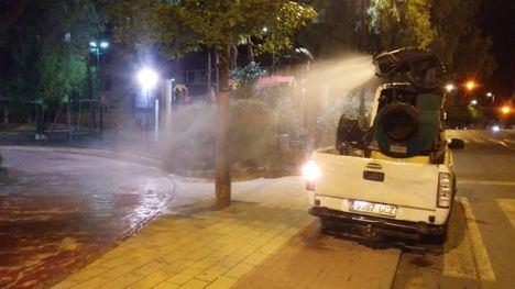 FOT. Medio Ambiente vuelve a fumigar contra los mosquitos