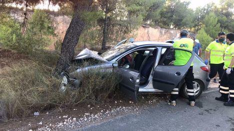 FOTOS Tres heridos en un accidente de tráfico en Sierra Espuña