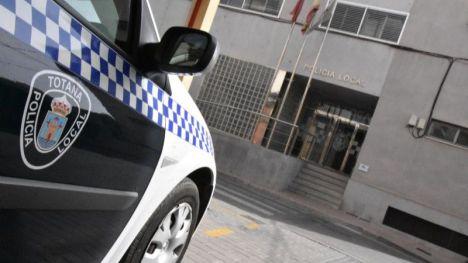 La Policía de Totana evita que un hombre se arroje al vacío
