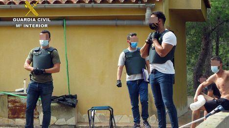 V/F Tres detenidos por cultivar 'maría' en una casa okupa en Librilla