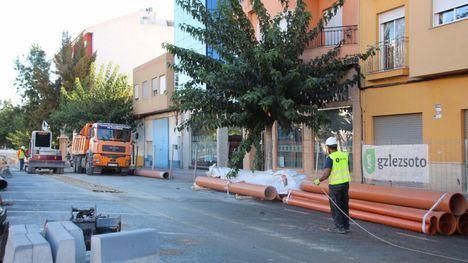 V/F En marcha las obras de renovación de las redes en Ginés Campos