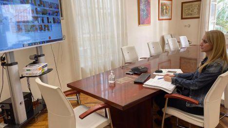 Alhama estudia una nueva línea de ayudas para los hosteleros