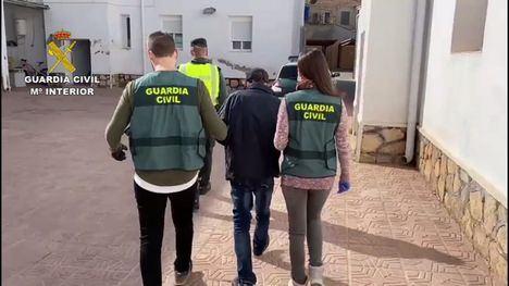 VÍD. Detenidos en Totana tras varios robos en negocios y viviendas