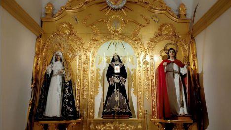 Los titulares de la Cofradía de San Juan dejan el luto