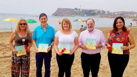La primera playa de la Región sin humo de tabaco, en Mazarrón