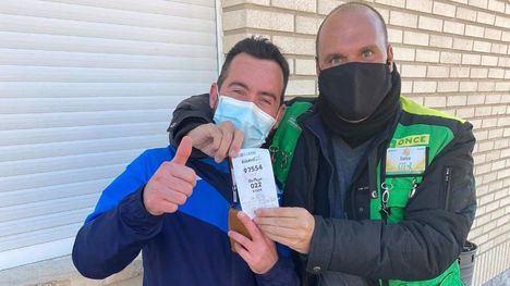 Un trabajador de ElPozo, premiado con el cupón de la ONCE