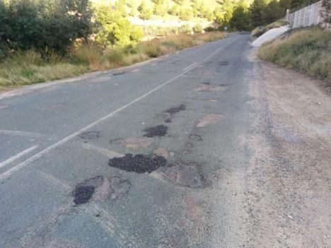 Últimos arreglos en la carretera RM-515