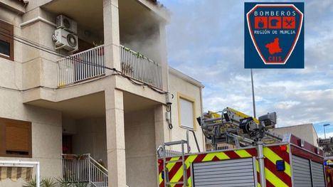 Una mujer de 65 años, en el hospital tras incendiarse su casa