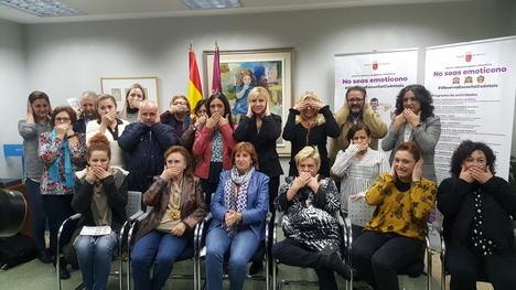La consejera de Familia e Igualdad de Oportunidades, Violante Tomás, presentó hoy el programa de actos conmemorativos del 25 de noviembre (25N)