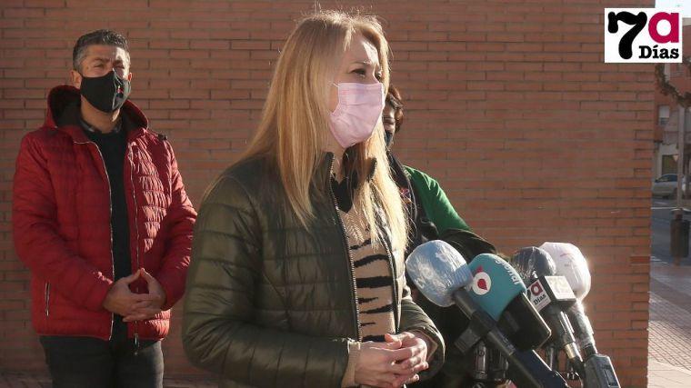 La alcaldesa afirma que la Región atraviesa un momento 'crítico'