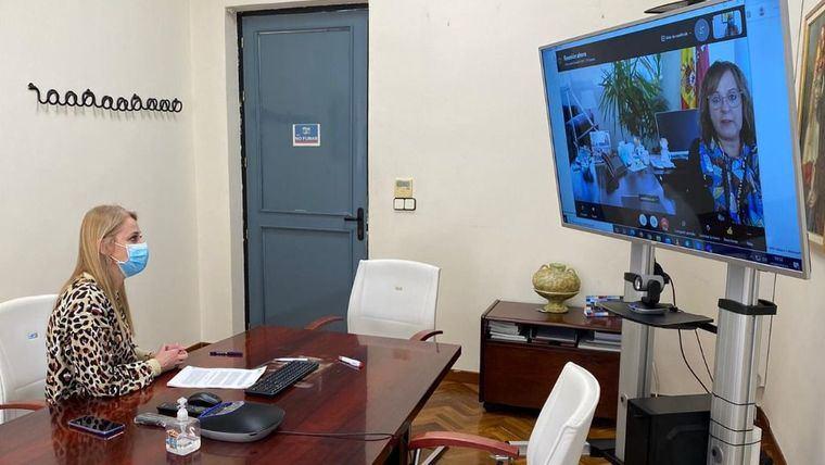 Guevara ofrece personal sanitario de Centros de Día para vacunación
