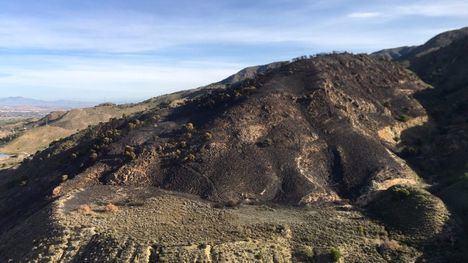 FOTOS El incendio en la Sierra de Carrascoy, controlado