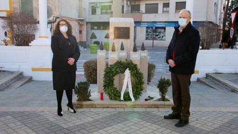 VÍDEO Alhama homenajea a las víctimas del Holocausto