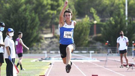 Los atletas de Alhama logran varios primeros puestos en Murcia
