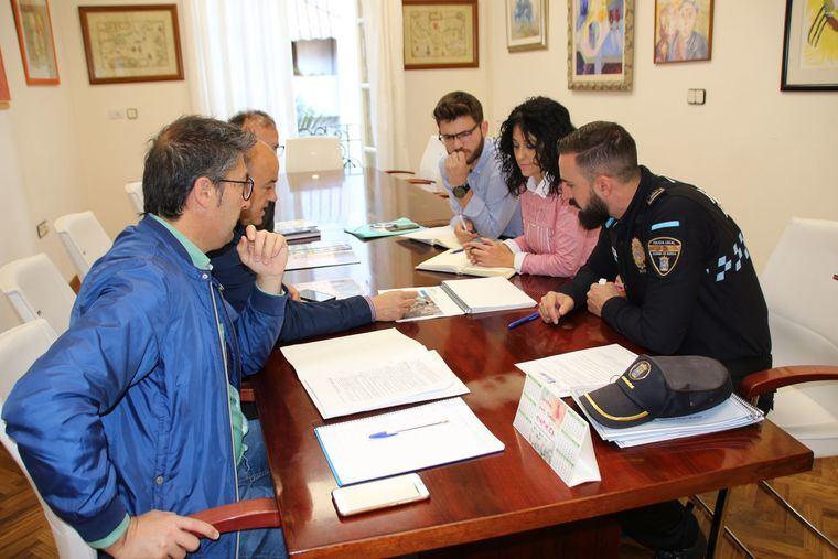 Ayuntamiento y Policía Local coordinan la seguridad de Los Mayos
