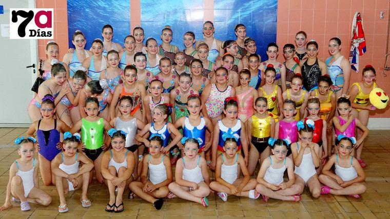 La Federación Regional premia a 21 nadadoras del Club SincroAlhama